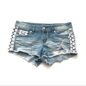 Almost Famous Shorts White Lace Denim Blue Jean